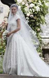 Sonar con vestido de novia pequeno